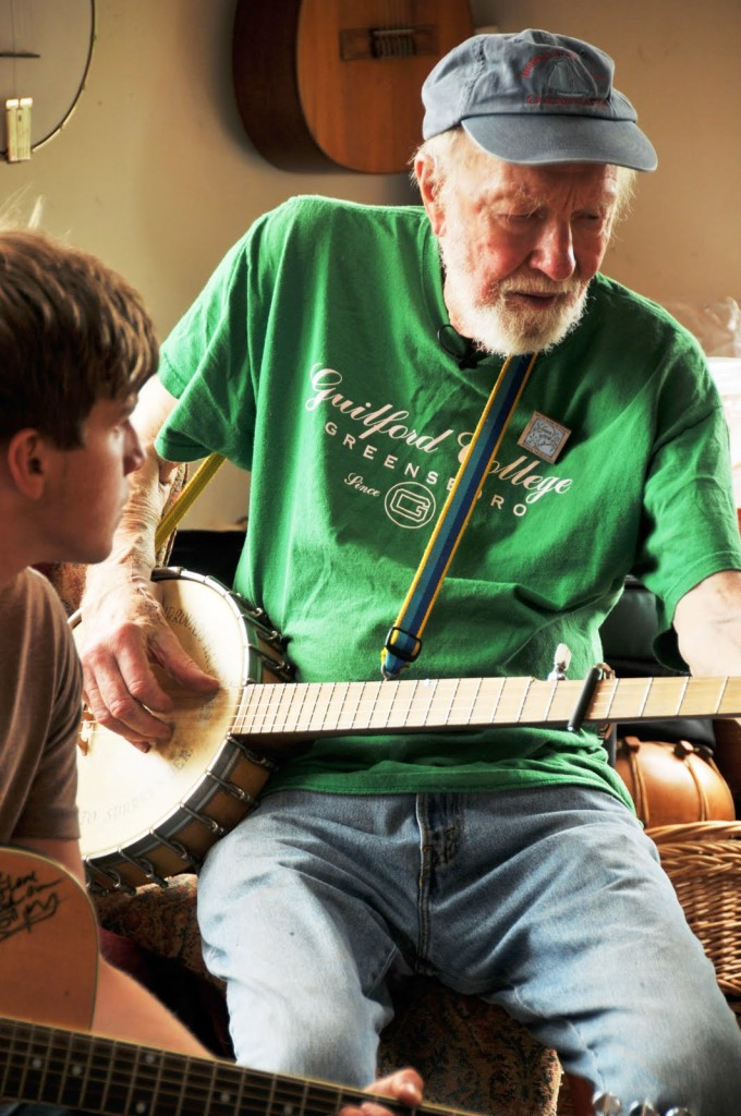 Pete Seeger, recording for Virtual Rally for Middle East Peace, 2010. Pete is wearing a handmade pin for the cause by artist LisaBeth Weber. Photo by Michael Hardgrove.